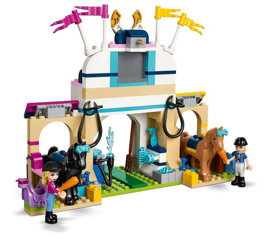 LEGO Friends, Skoki przez przeszkody Stephanie, 41367