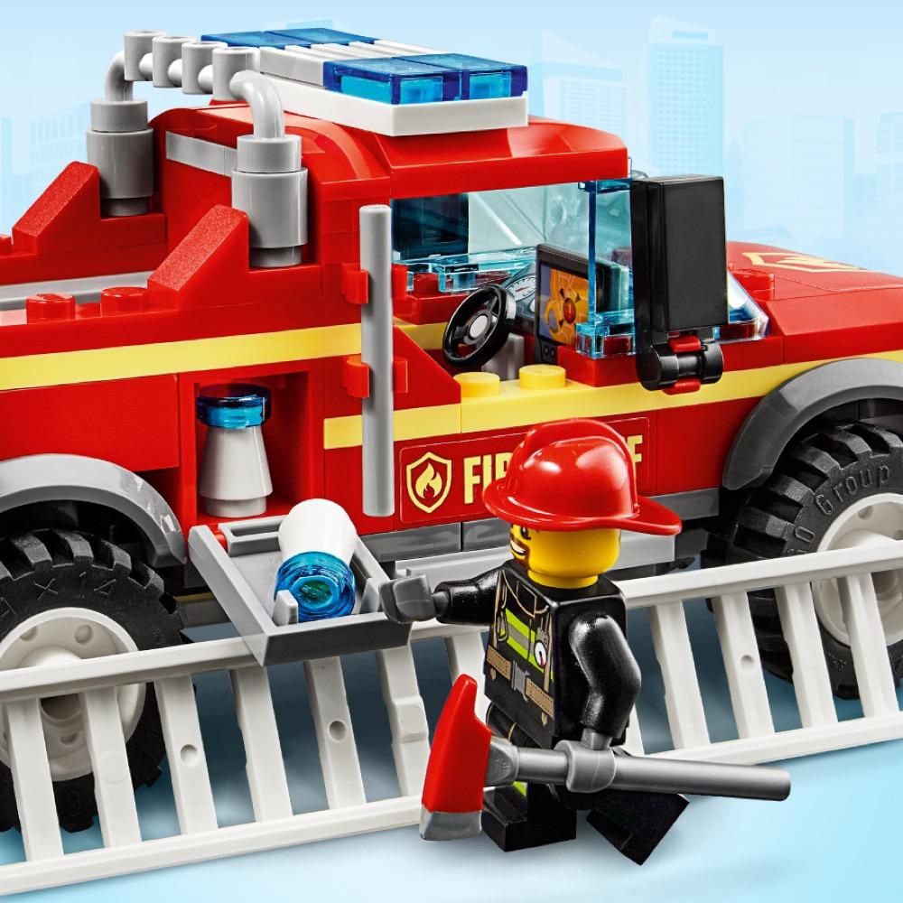 Realistyczny wóz strażacki