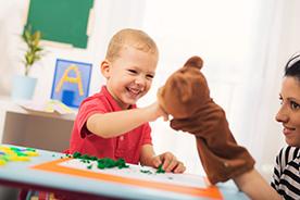 Zabawki dla dzieci ze spektrum autyzmu. Co je wyróżnia?