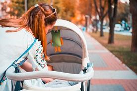 Kiedy można przesadzić dziecko do spacerówki?