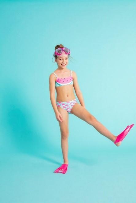 Modne i praktyczne stroje kąpielowe dla dzieci. 7 propozycji od Cool Club