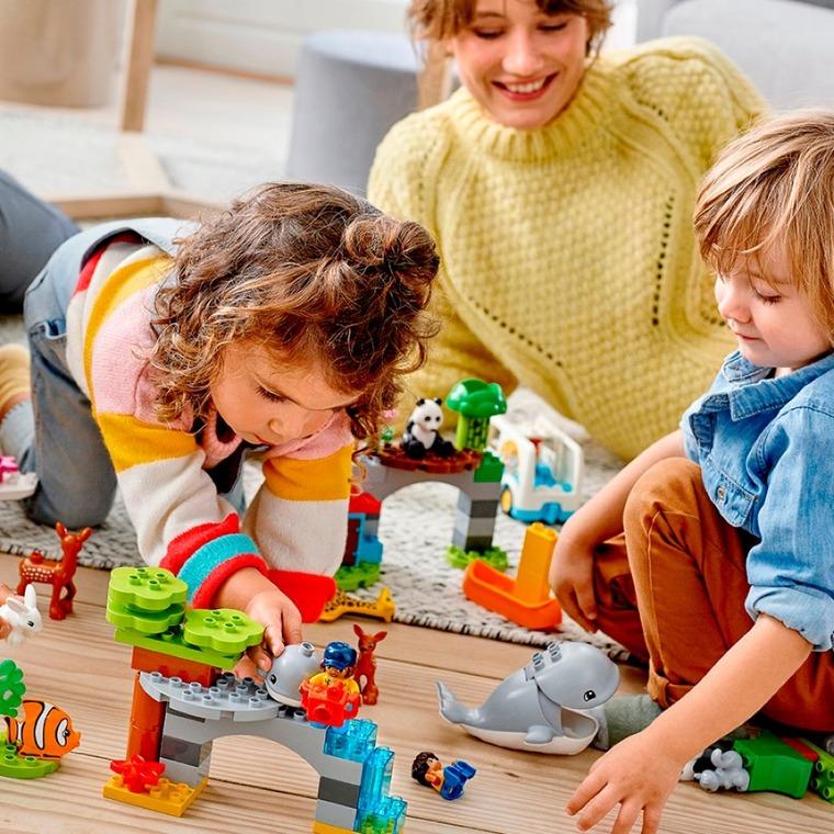 Zabawy z klockami LEGO DUPLO zwierzeta