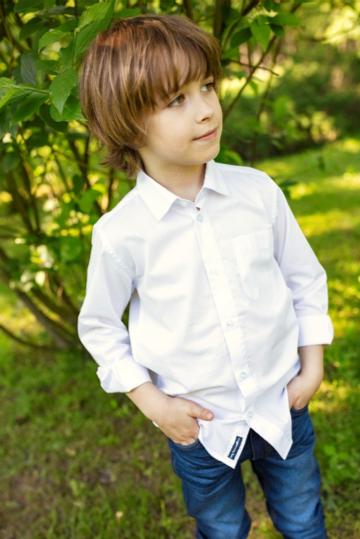 Klasyka na start. W jakie eleganckie ubrania warto wyposażyć ucznia?