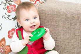 13-ty miesiąc rozwoju dziecka – jestem taki samodzielny!