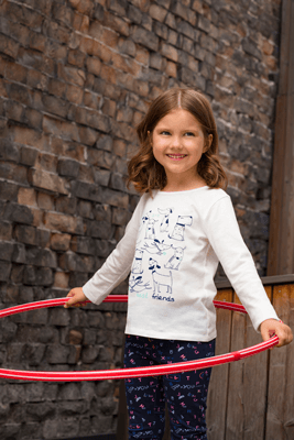 Wygodne ubrania dla młodszych uczniów