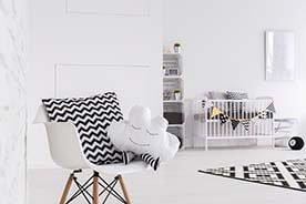 Dlaczego warto kupować niemowlętom czarno-białe zabawki?