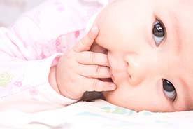 Najlepsze sposoby na ząbkowanie u niemowlaka