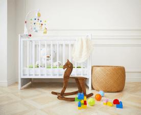 Top 10 przydatnych akcesoriów do dziecięcego łóżka