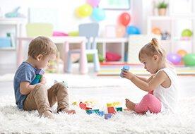 Układanie klocków i ich wpływ na rozwój dziecka