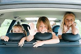 Jak przewozić dziecko w samochodzie? Garść porad na bezpieczną drogę