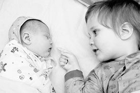 Jak przygotować starsze dziecko do narodzin rodzeństwa?