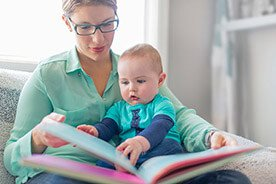 Kiedy zacząć czytać dziecku książki?