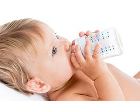 Mleko buch, butelka w ruch! Czyli karmienie butelką Mleko buch, butelka w ruch! Czyli karmienie butelką.