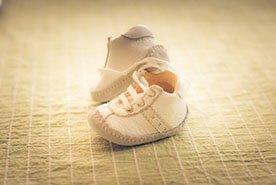 Pierwsze buty dla malucha – wybieramy buciki dla dziecka