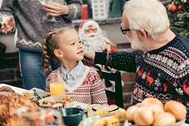Jak nauczyć dziecko zachowywać się przy stole?