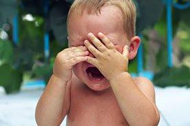 Lęk separacyjny niemowląt - czym jest i jak sobie radzić z lękiem separacyjnym u dzieci