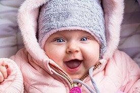 Rozwój półrocznego dziecka - jak wspomagać rozwój niemowlaka