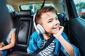 Audiobooki dla dzieci. 10 tytułów w sam raz na nudę lub długą podróż