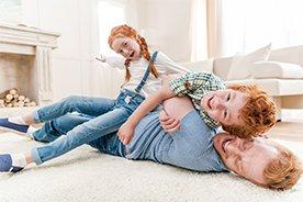 Stop jesiennej nudzie. 12 pomysłów na zabawy dla dzieci w domu