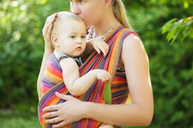 Chusta do noszenia dziecka – czy warto jej używać?