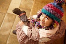 Gdy na dworze chłodniej – jak ubierać dziecko do przedszkola
