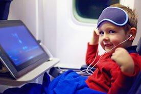 Przygotowujemy się do podróży z dzieckiem samolotem