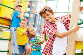 Jak ubrać dziecko na plac zabaw - wybieramy ubranie do zabawy