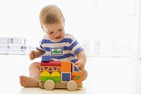 Trafiony prezent dla chłopca na roczek – TOP 15 pomysłów, które powinny zadowolić zarówno malca, jak i jego rodziców
