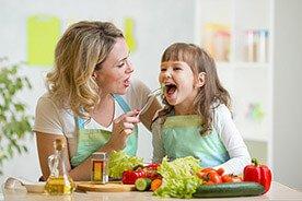 Dlaczego i jak rozmawiać z dzieckiem o jedzeniu?
