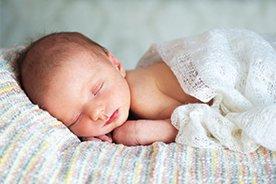 Ile powinno spać dziecko? Jaka jest zalecana ilość snu dla niemowlaka, a jaka dla siedmioletniego ucznia?