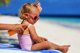 Jak chronić malucha przed słońcem