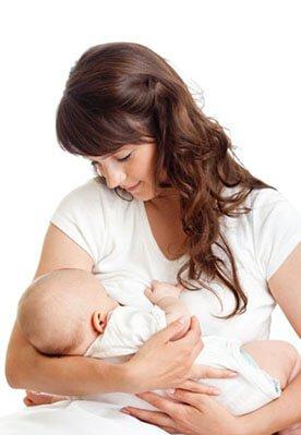 Jak karmić noworodka - czy karmienie piersią jest najlepsze?