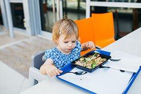 Zdrowe i smaczne menu rocznego dziecka