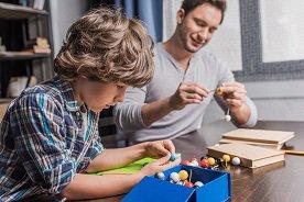 Prezent dla starszego ucznia - propozycje dla chłopca i dziewczynki