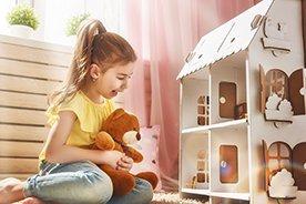 Domki dla lalek jak ze snu. Ranking najpopularniejszych akcesoriów do zabawy lalkami